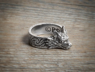 Кольцо Хирсина шириной 6 мм и толщиной 2мм, высота волчьей головы 10 мм, цена $95.